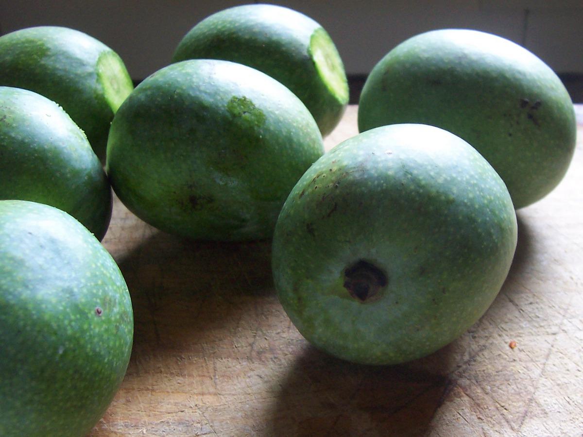 Green Mangoes 2